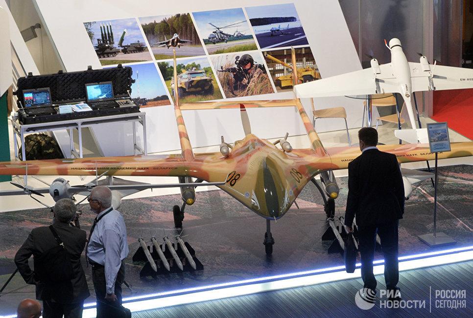 Беспилотный летательный аппарат Буревестник МБ на 8-й Международной выставке вооружения и военной техники Milex-2017 в Минске