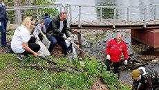 Добровольцы очистили от мусора озеро Долгое в Уфе