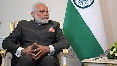 Премьер-министр Индии Нарендра Моди во время встречи с президентом РФ Владимиром Путиным в рамках Санкт-Петербургского международного экономического форума 2017