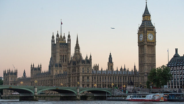 Британский парламент изучит условия предоставления помощи курдам