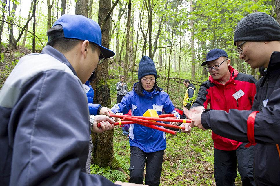 В этом году к составу комплексной экспедиции Гогланд присоединилась группа из одиннадцати китайских экологов