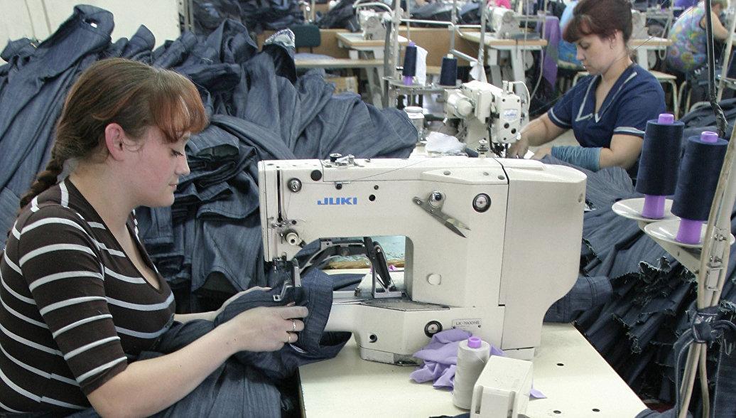 Фабрика по производству одежды. Архивное фото