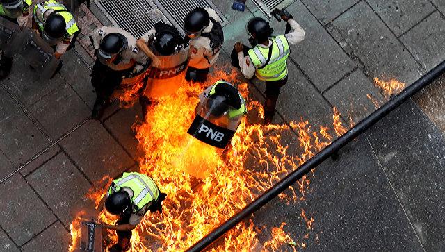 ВВенесуэле генеральный прокурор перешла насторону оппозиции 5