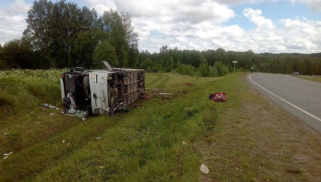 На месте ДТП с автобусом, перевозившим детей, в Томской области. 12 июня 2017