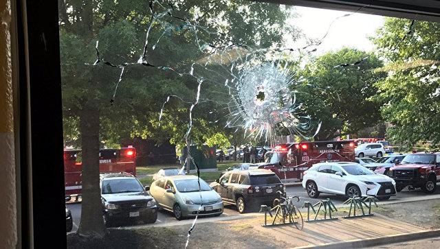 При покушении наконгрессмена вВирджинии было сделано поменьшей мере 50 выстрелов