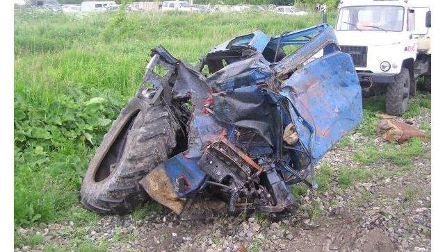 ВПензенской области отчаянный тракторист взял поезд натаран