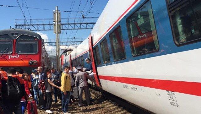 Столкновение поезда Стриж с электричкой возле Курского вокзала. 19 июня 2017