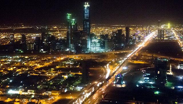 Vista notturna della città di Riyadh, in Arabia Saudita.  Foto d'archivio