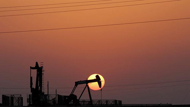 Нефть дешевеет в ожидании статистики по запасам в США