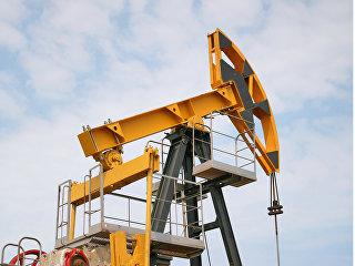 Штанговый насос на нефтяной скважине. Архивное фото