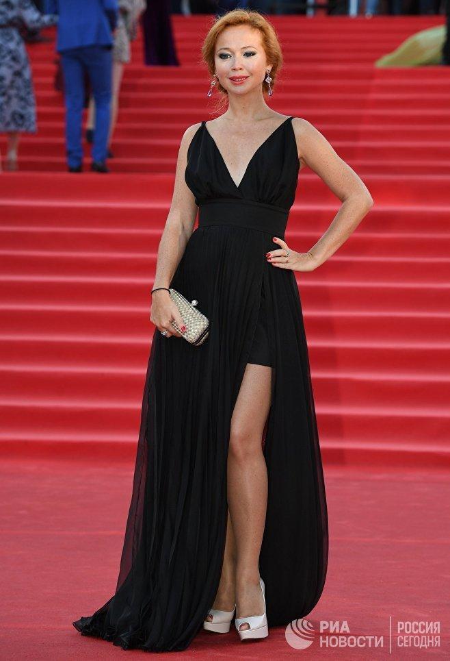 Актриса Елена Захарова на церемонии открытия 39-го Московского международного кинофестиваля в Москве
