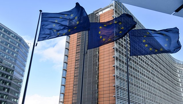Лидеры ЕС выступили против слияния постов глав Еврокомиссии и Евросовета