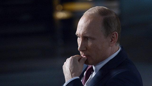 Результаты «прямой линии»: Путин поручил проверить соблюдение прав всоцсфере