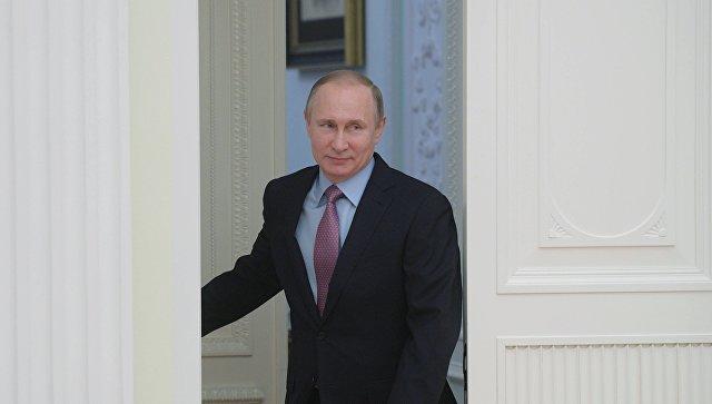Президент РФ Владимир Путин прибыл свизитом вдетский центр «Артек»