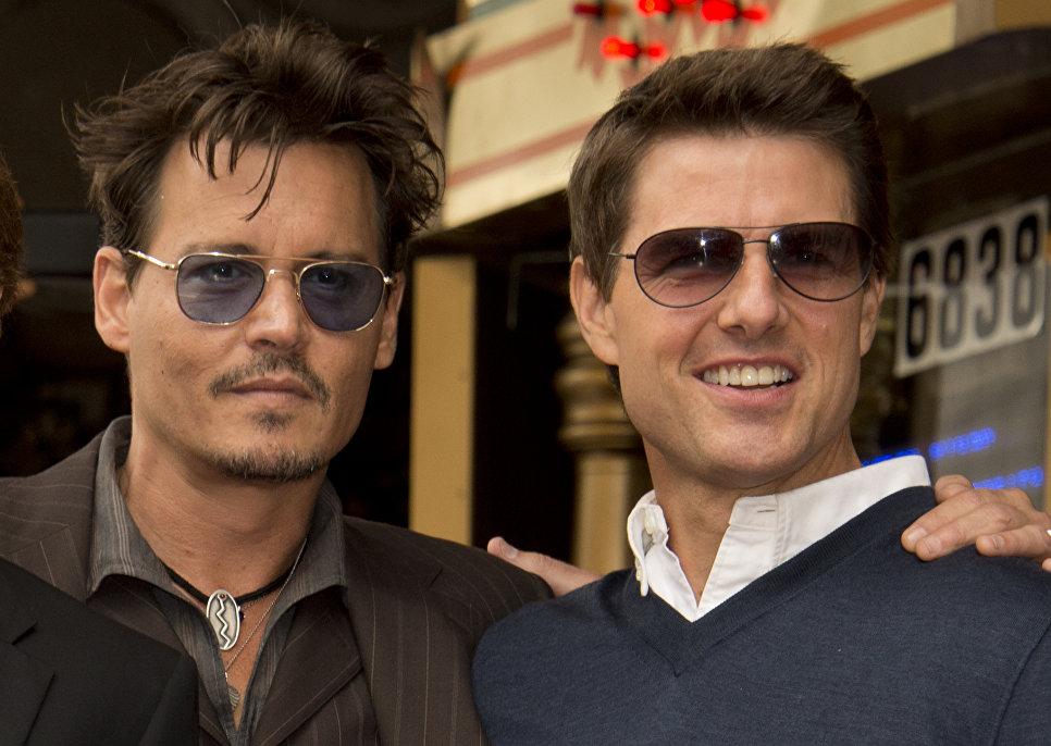 Актеры Джонни Депп и Том Круз на голливудской Аллее славы