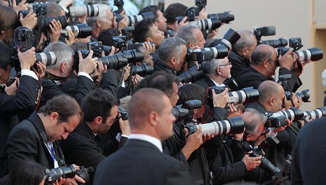 Фотокорреспонденты за работой. Архивное фото