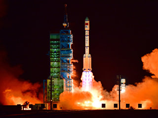 Старт ракеты-носителя Чанчжэн-2F с космодрома Цзюцюань в провинции Ганьсу, КНР. 15 сентября 2016