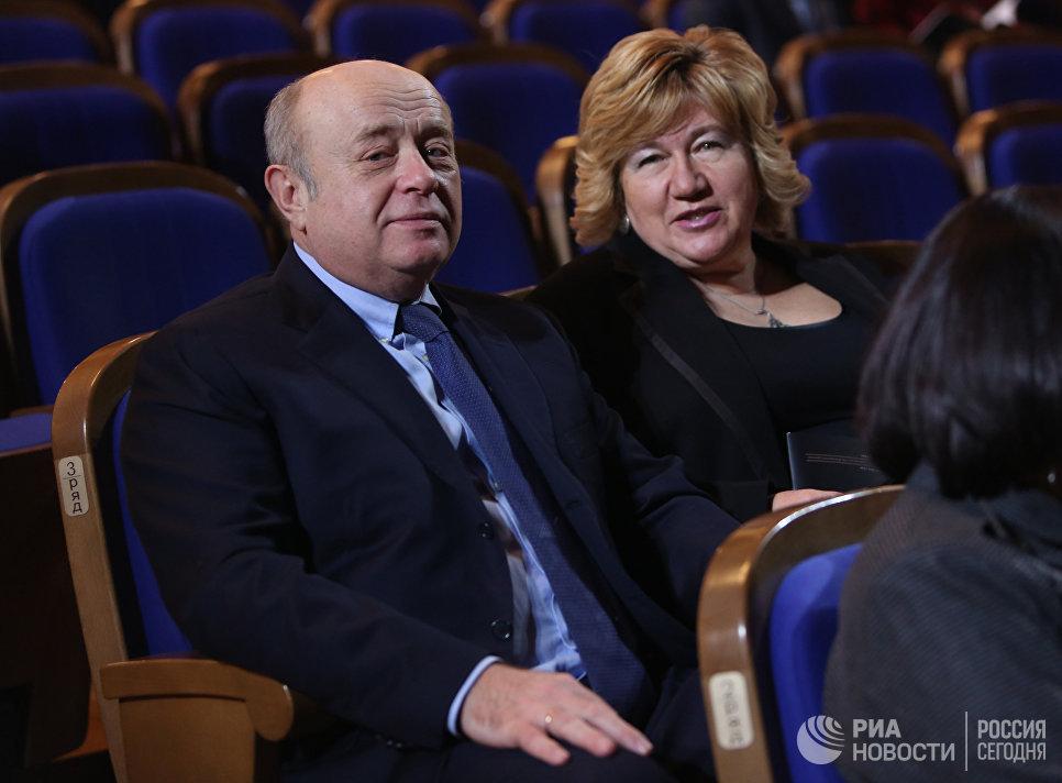 Директор внешней разведки РФ Михаил Фрадков с супругой Еленой на концерте Три века Петербургского балета