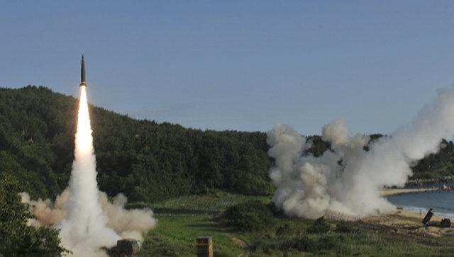 Запуск южнокорейской ракеты Hyunmoo II во время совместных военных учений между США и Южной Кореей. Архивное фото