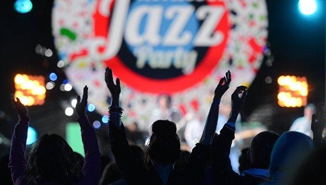 Зрители во время выступления британского гитариста Уилла Джонса на Международном джазовом фестивале Koktebel Jazz Party