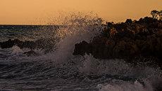 Берег Средиземного моря на Кипре. Архивное фото