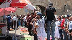 Мусульмане протестуют против решения израильских властей установить рамки металлоискателей при входе на Храмовую гору