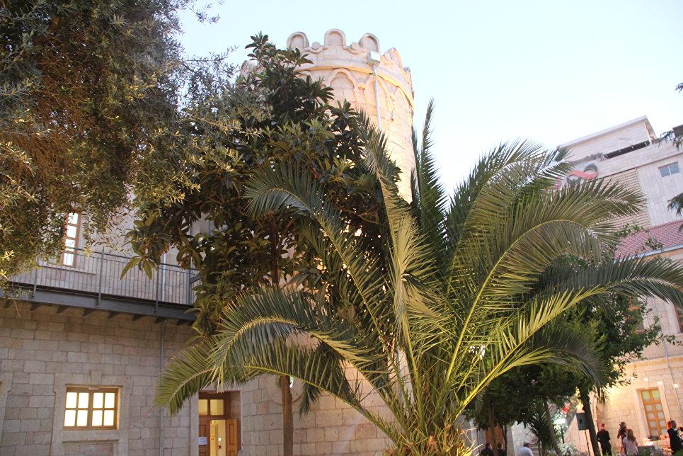 Внутренний двор Сергиевского подворья в Иерусалиме