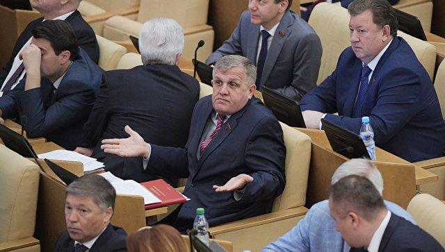 КПРФ пригрозила бойкотировать выступления Жириновского