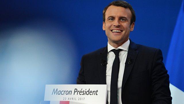 Эммануэль Макрон во время пресс-конференции по итогам первого тура президентских выборов во Франции