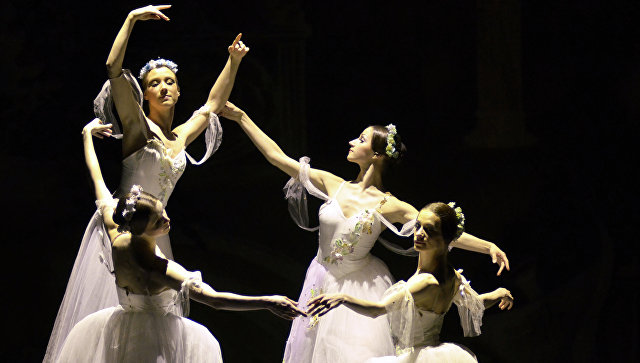 Артисты балета театра им. Леонида Якобсона. Архивное фото
