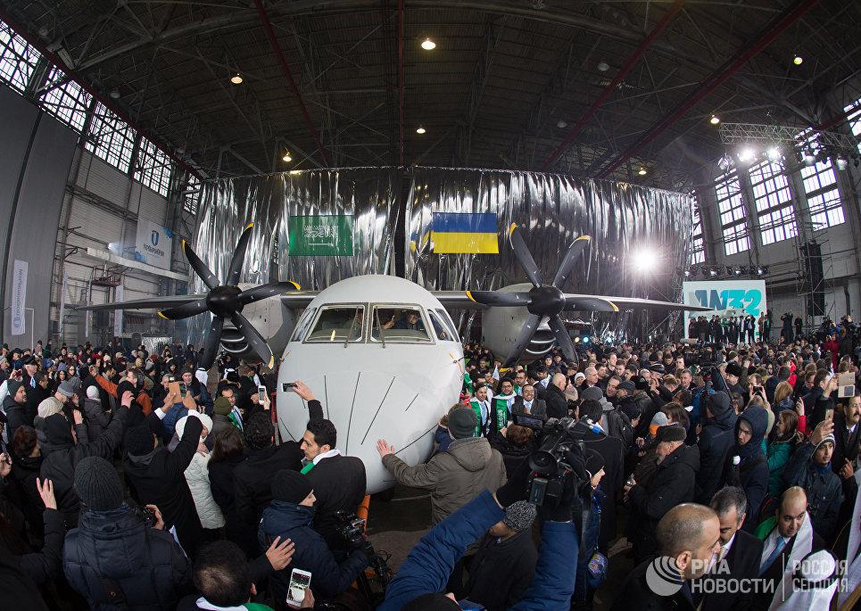 «День авиаций Украины»: на «украинских крыльях» летает весь мир, заявил Порошенко