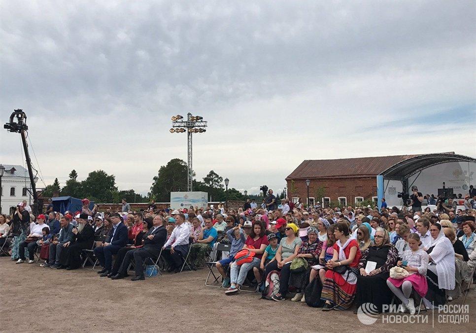 Зрители музыкального фестиваля Просветитель на Валааме
