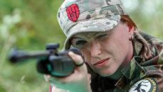 Женщина-снайпер из состава Правого сектора. Архивное фото