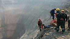 Промышленные альпинисты приступили к работе на руднике Мир