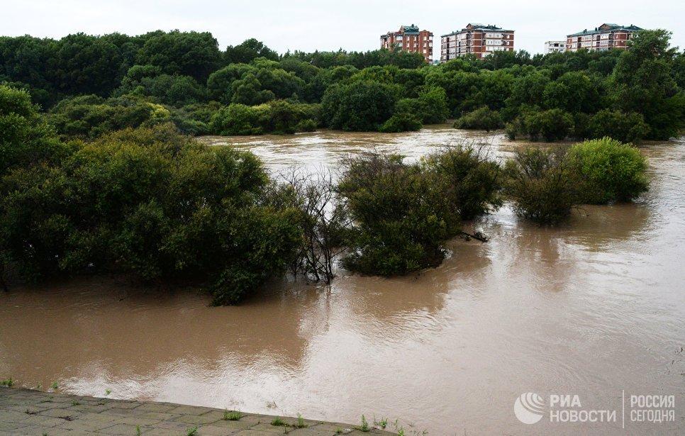 Река Комаровка, разлившаяся после ливней. 7 августа 2017