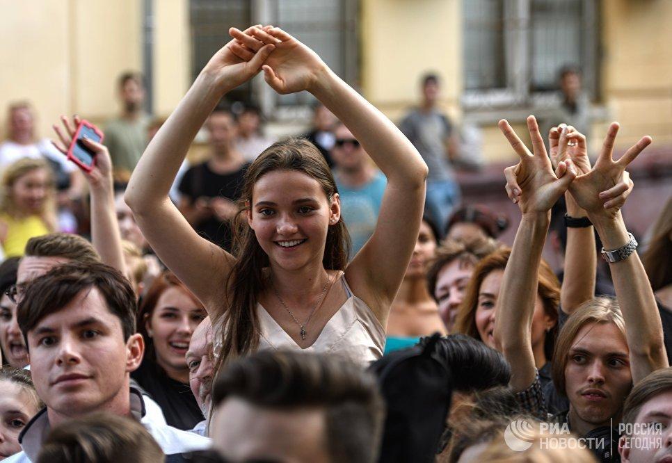 Желающие участвовать в кастинге Новой Фабрики звезд в Москве