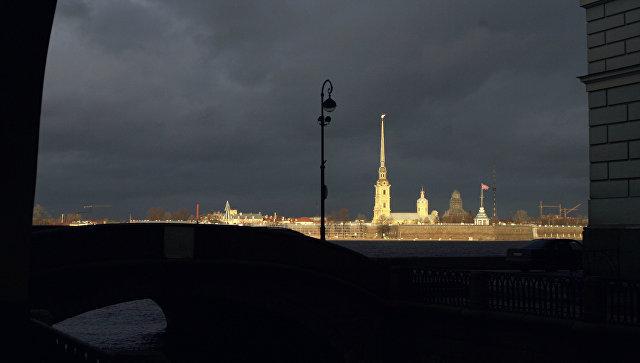 Вид на Петропавловскую крепость в Санкт-Петербурге. Архивное фото