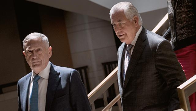 Государственный секретарь США Рекс Тиллерсон и глава Пентагона Джим Мэттис в Вашингтоне. Архивное фото