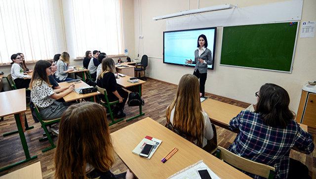 Обязательную диагностику учебных достижений пройдут московские школьники