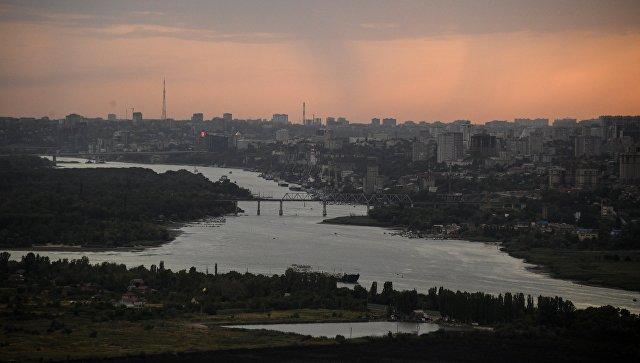 В Ростове-на-Дону затонула часть понтонного моста