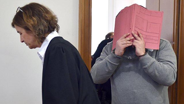 Медицинский брат Нильс Хёгель на суде в городе Ольденбург. 26 февраля 2015. Архивное фото