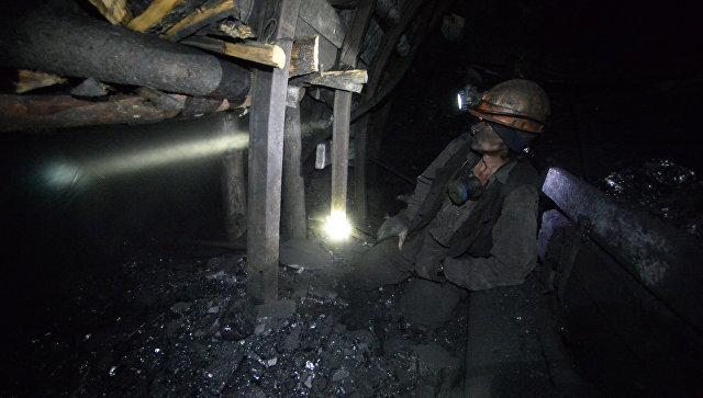 В Кузбассе из шахты эвакуировали 135 горняков