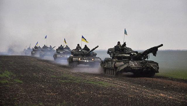 Танки ВСУ на востоке Украины. Архивное фото