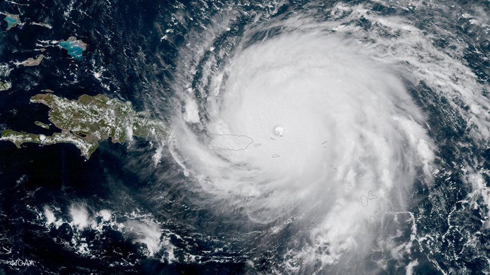Ураган Ирма, приближающийся к Пуэрто-Рико, на спутниковом снимке