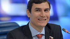Депутат Государственной Думы Сергей Шаргунов на пресс-конференции в Москве