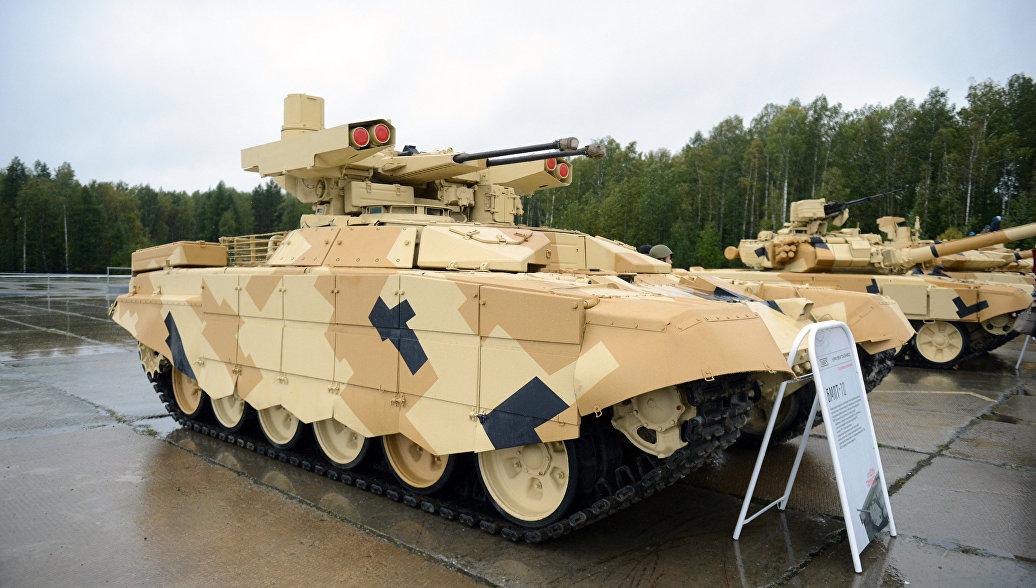 Боевая машина огневой поддержки, выполненная на базе шасси танка Т-72 (БМПТ) Терминатор на выставке приуроченной к празднованию Дня Танкиста на полигоне Старатель в Нижнем Тагиле.