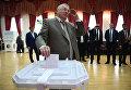 Лидер ЛДПР Владимир Жириновский в единый день голосования на избирательном участке в Москве. 10 сентября 2017