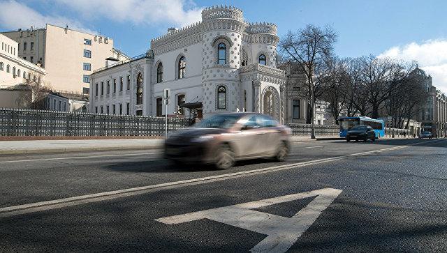 Города федерального значения смогут решать, кому ездить повыделенной полосе