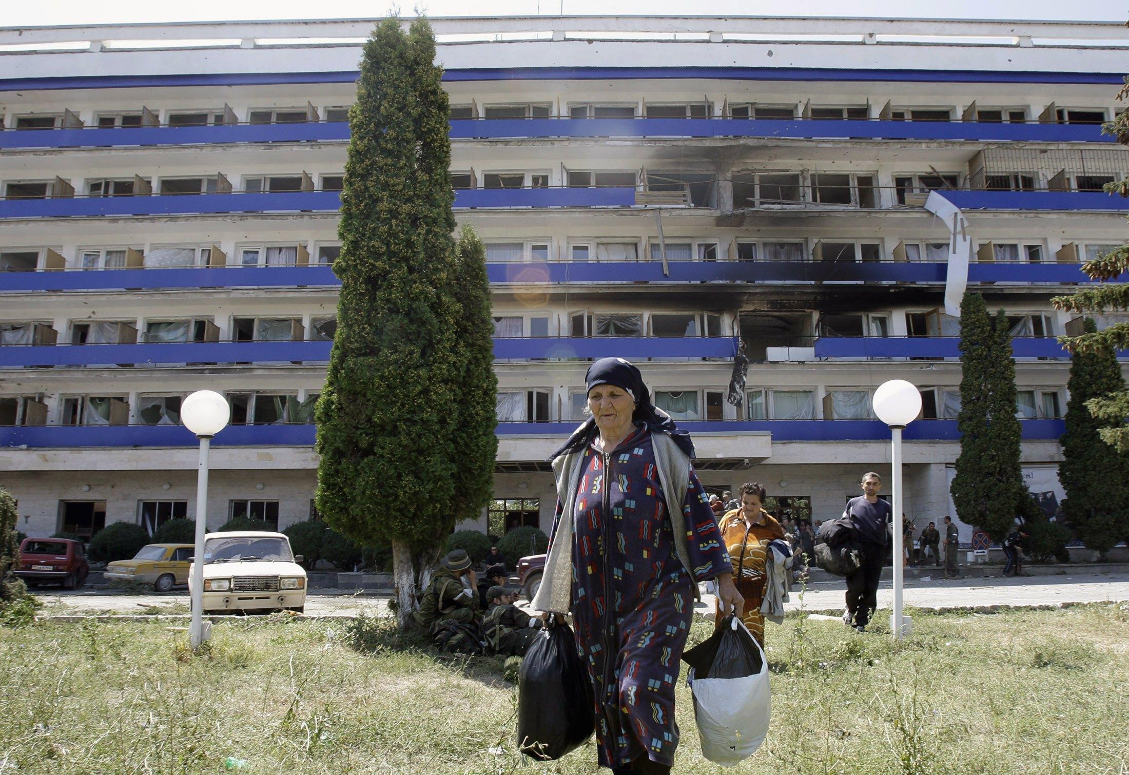 В Цхинвали идет эвакуация мирных жителей