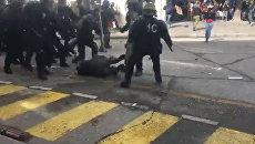Журналист Алексис Краланд пострадал от действий полиции во время протестов в Париже